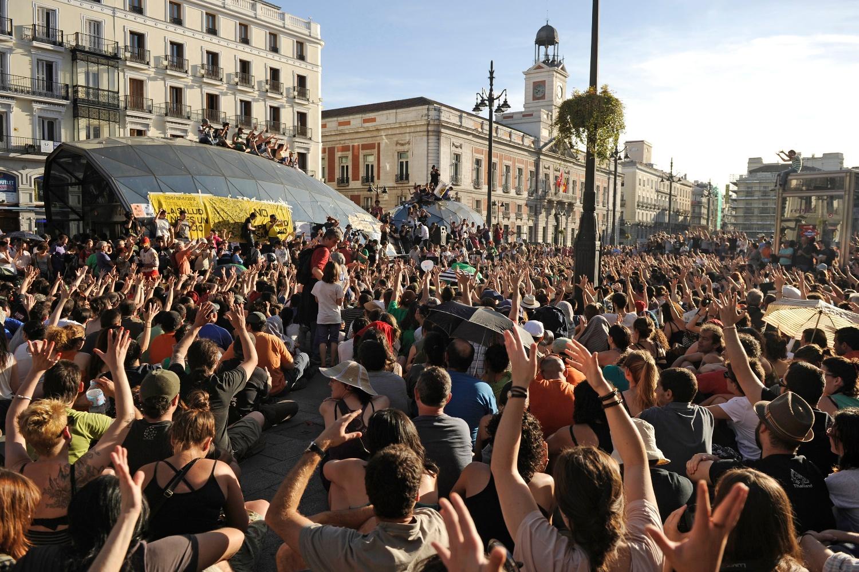 Asamblea en Sol durante el 15M (2011)