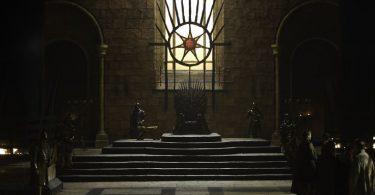 Trono de hierro, Varys y Baelish en Juego de Tronos: Hobbes y Maquiavelo
