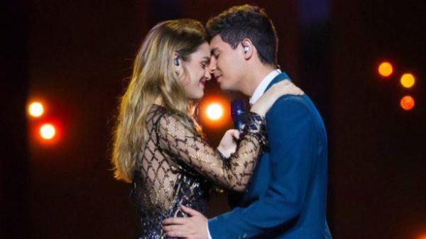Amaia y Alfred, otra forma de amar a ESPAÑA