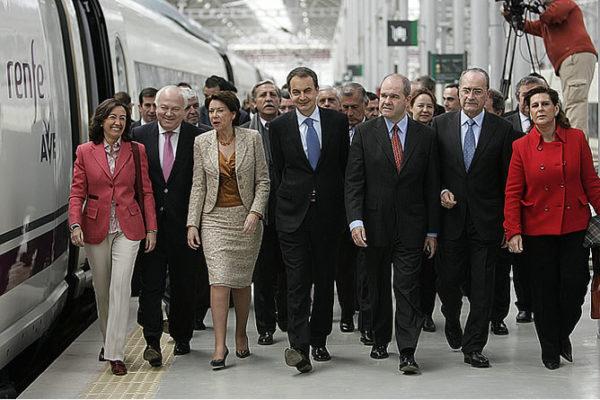 El Gobierno socialista inaugura el nuevo AVE a Málaga con la presencia del Alcalde.