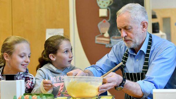 """Imagen con la que el portal Grazia ilustraba la noticia en la que contaba que Jeremy Corbyn inspiró la tendencia de nombre de bebé """"mas improbable"""" de 2017."""