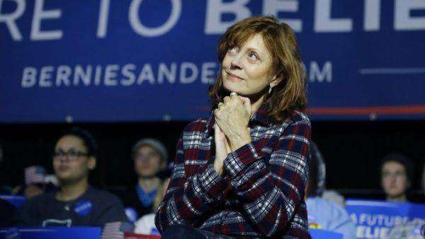 Susan Sarandon participa en un mitin de Bernie Sanders.