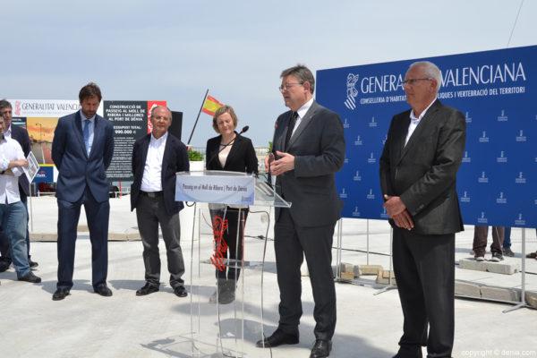 El Presidente valenciano, Ximo Puig, inaugura el nuevo paseo de Denia.
